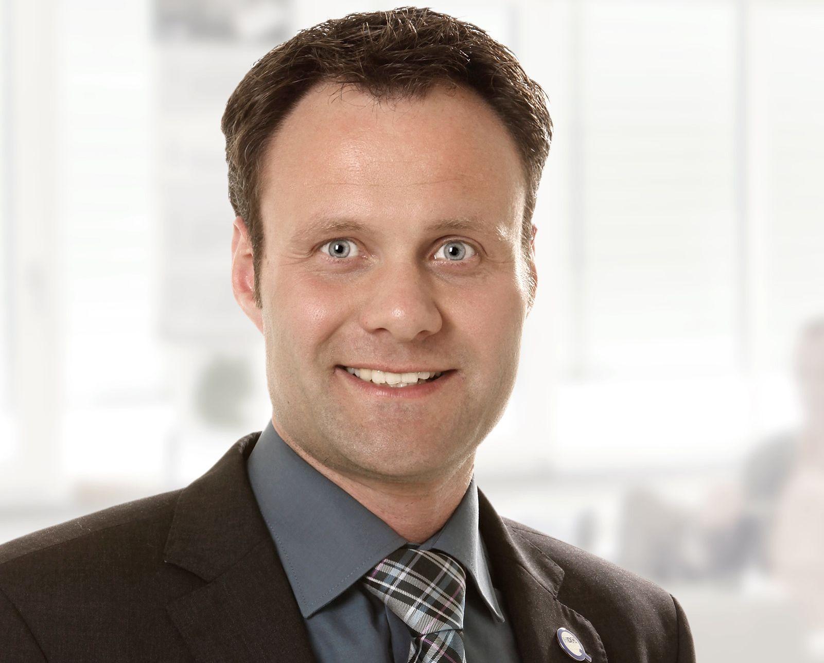 Ansprechpartnerin für den Vertriebsleitung Michael Schäfer
