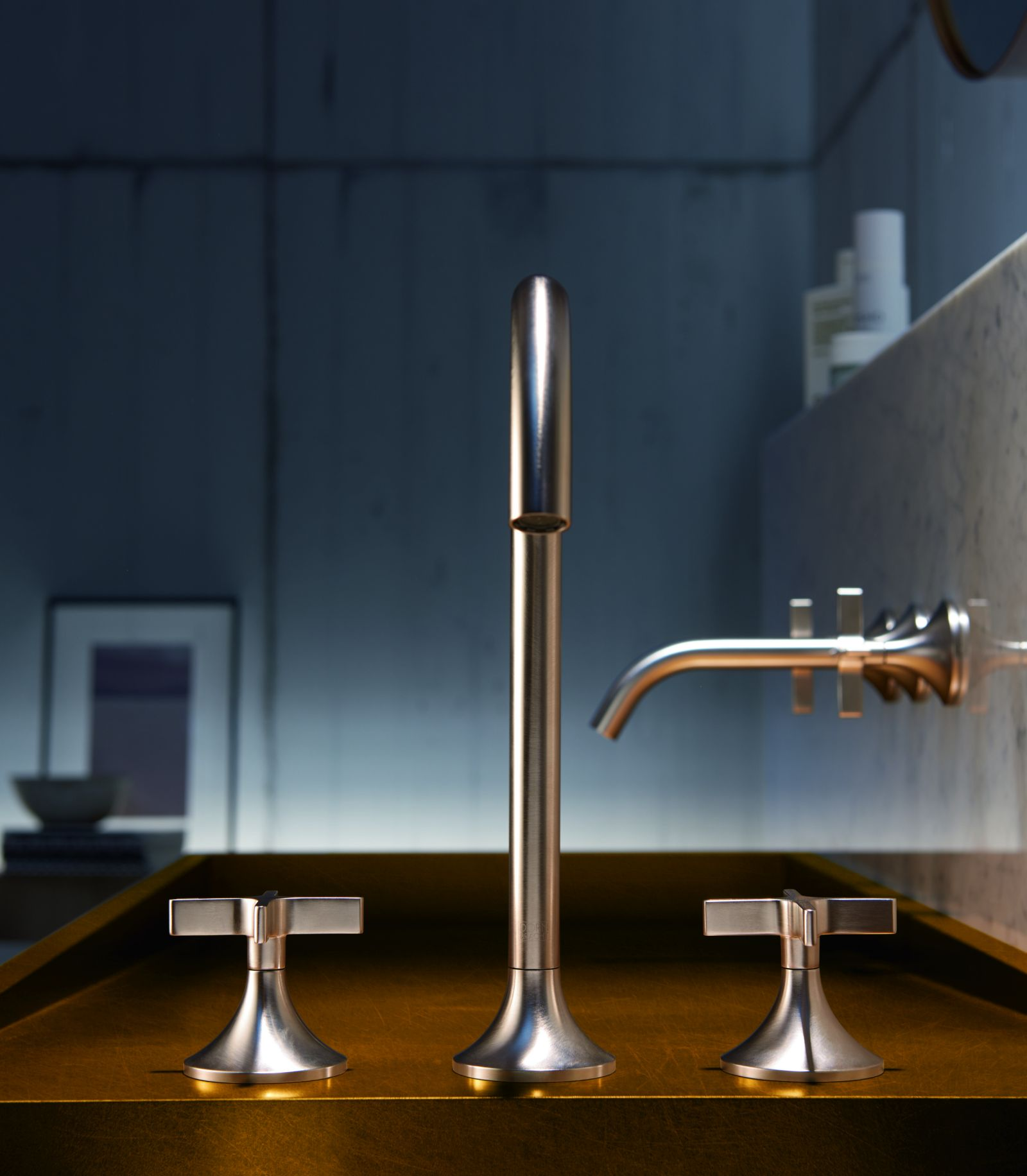 Sanitary handles made of chrome-plated die-cast zinc