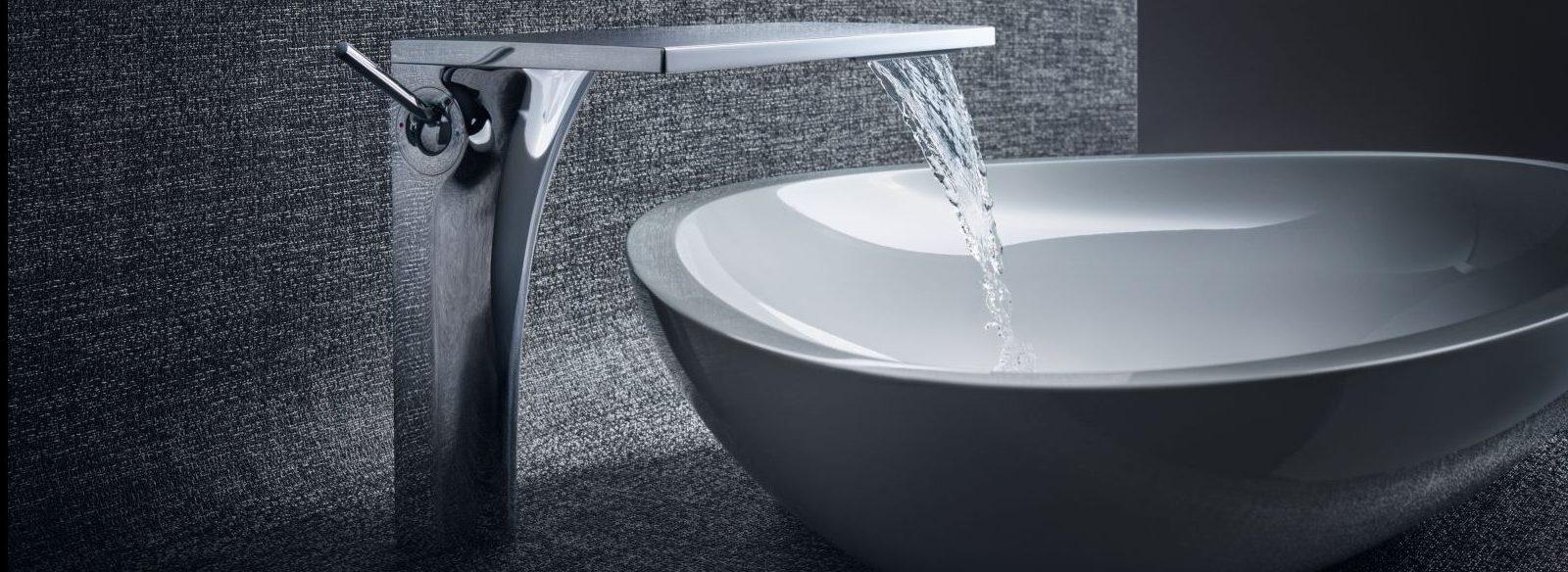 Designarmatur mit Abdeckung aus Zinkdruckguss aus der Wasser ins Waschbecken läuft